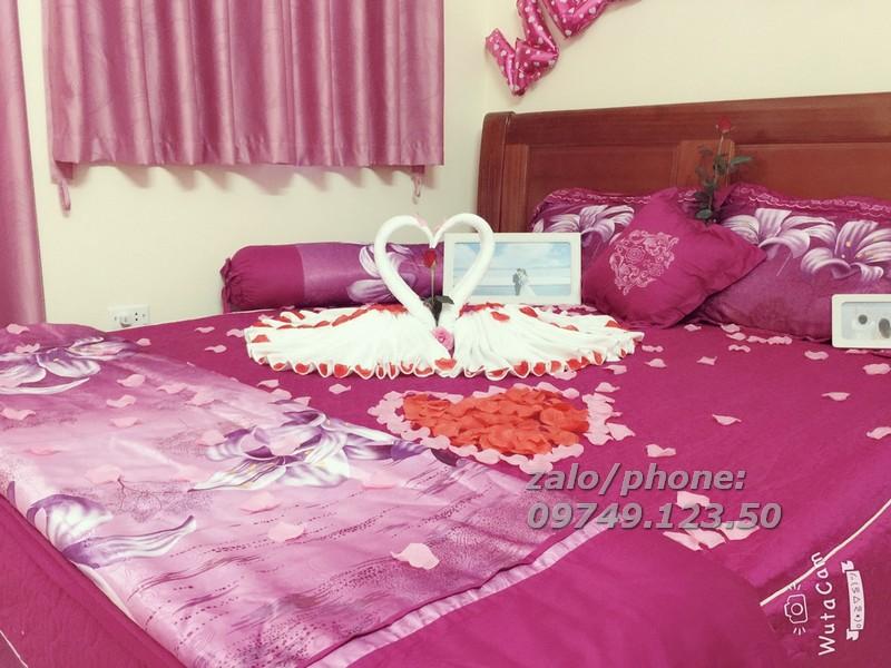 Ý nghĩa của đôi thiên nga trong trang trí phòng cướimang đến ý nghĩa tượng trưng cho sự hạnh phúc, chung thủy, viên mãn trong hôn nhân.